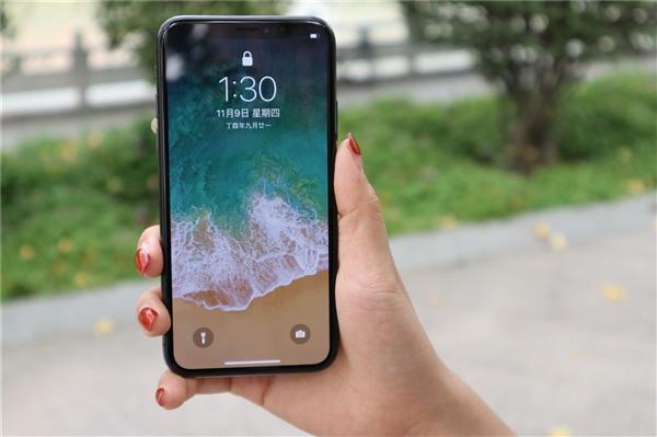 iPhone终于解锁NFC标签支付 靠近即可付款