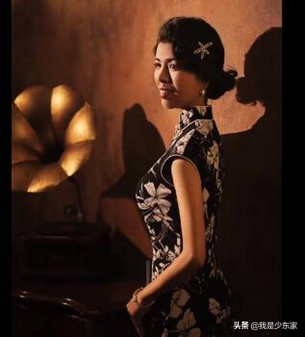 环卫阿姨被邀拍旗袍写真称很感动,称一辈子都没穿过这些衣服