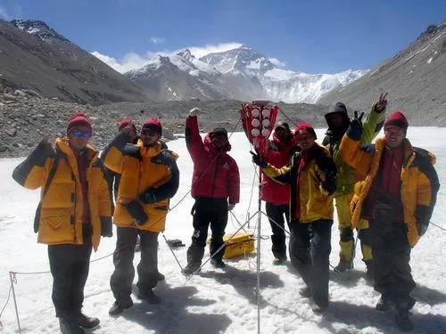 珠穆朗玛峰高度最新数据,珠穆朗玛峰高度怎么测出来的
