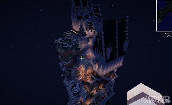 《我的世界》奇葩作品分享 悬崖上的村庄